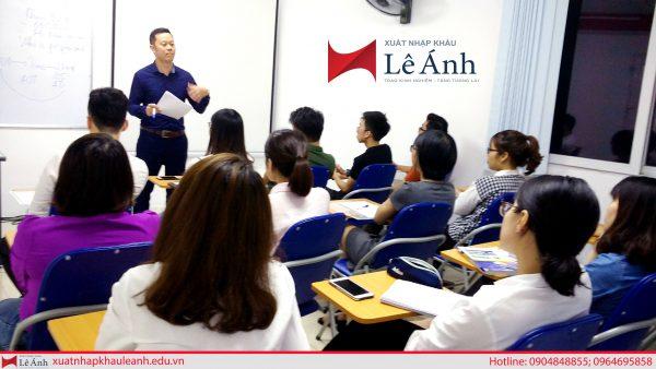 lớp học xuất nhập khẩu tại Trung tâm Lê Ánh