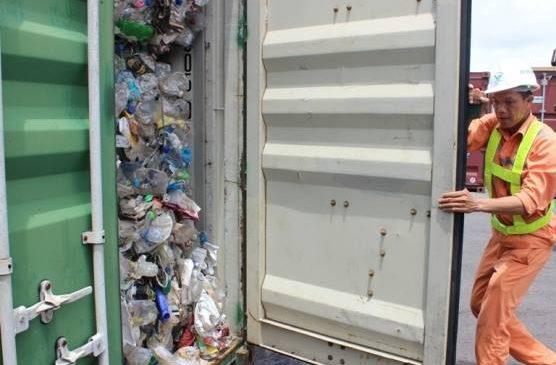 Hàng loạt container rác nhựa nhập cảng Hải Phòng – nguy cơ xấu với ngành xuất nhập khẩu