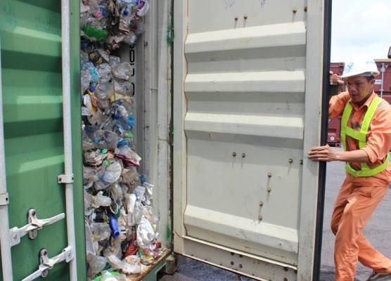 container-rac-thai-nhua-nhap-cang-hai-phong