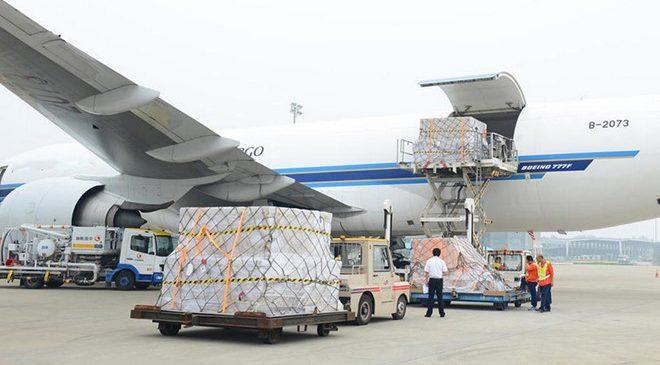 Phụ phí trong vận chuyển hàng không