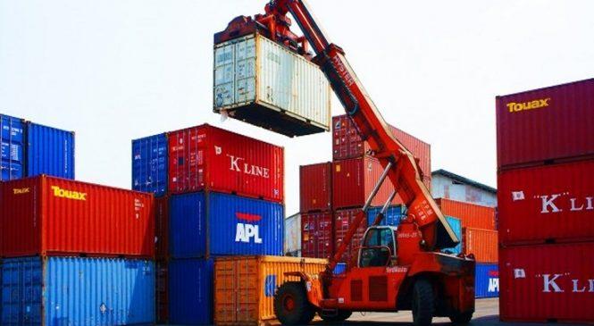Thủ tục tái xuất lô hàng nhập khẩu chưa làm thủ tục hải quan