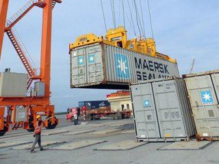 Thủ tục chuyện cảng hàng hóa xuất nhập khẩu