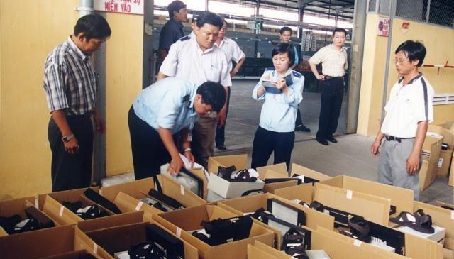 Thực hiện kiểm hóa hàng nhập khẩu