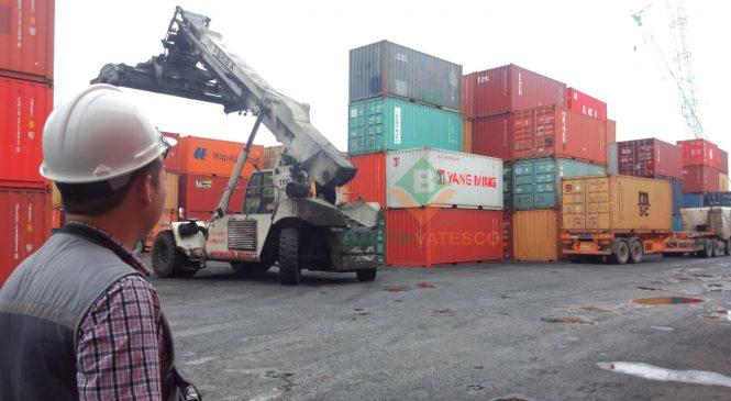 Kiểm tra thông số container trước khi xếp hàng